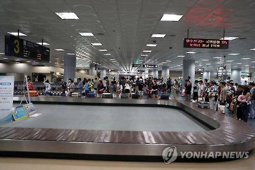 [나만 불편한가? 김해공항](하) 항공편 폭증, 시설 확충은 찔끔