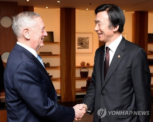 (LEAD) Mattis assures policy continuity on N. Korea, full defense commitment to S. Korea - 1