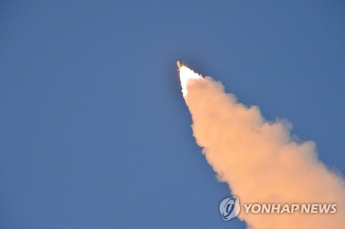 A North Korean ballistic missiles soars to the sky in this file photo. (For Use Only in the Republic of Korea. No Redistribution) (KCNA-Yonhap)