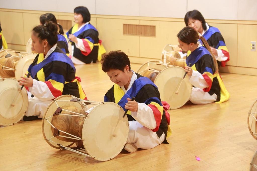 Description of south koreans ethnic group — photo 13