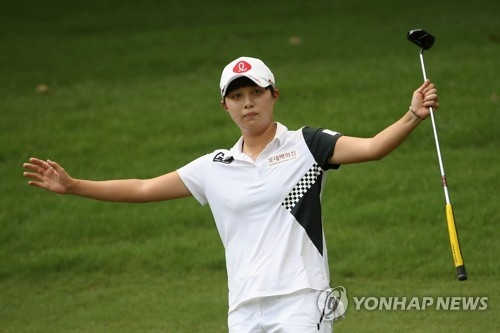 In this Getty Images photo, Kim Hyo-joo of South Korea celebrates a birdie putt on the 15th hole during the final round of the U.S. Women's Open at Shoal Creek Golf and Country Club in Shoal Creek, Alabama, on June 3, 2018. (Yonhap)