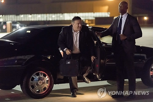 This AP photo shows U.S. Secretary of State Mike Pompeo arriving at Joint Base Andrews, Maryland, on July 5, 2018, to board a plane to North Korea. (Yonhap)