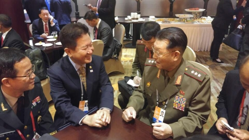 Koreas' vice defense ministers meet on margins of military forum in China