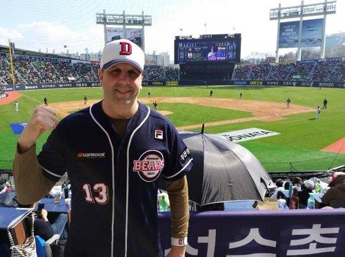 (Yonhap Interview) As dedicated fan, ex-U.S. Ambassador Lippert continues to be envoy for S. Korean baseball