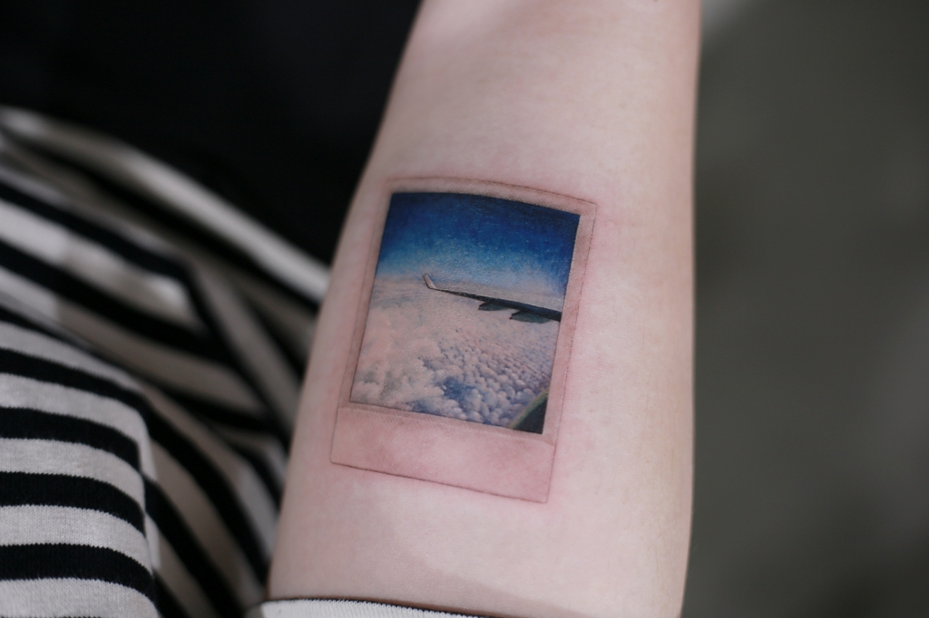This photo provided by Kim Do-yoon shows a tattoo of an aerial view inked by the tattooist. (PHOTO NOT FOR SALE) (Yonhap)