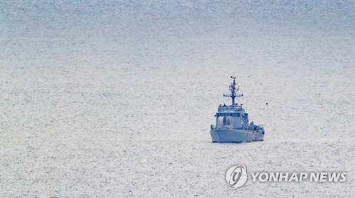 (4th LD) N. Korea shoots S. Korean official to death at sea, burns his body: defense ministry