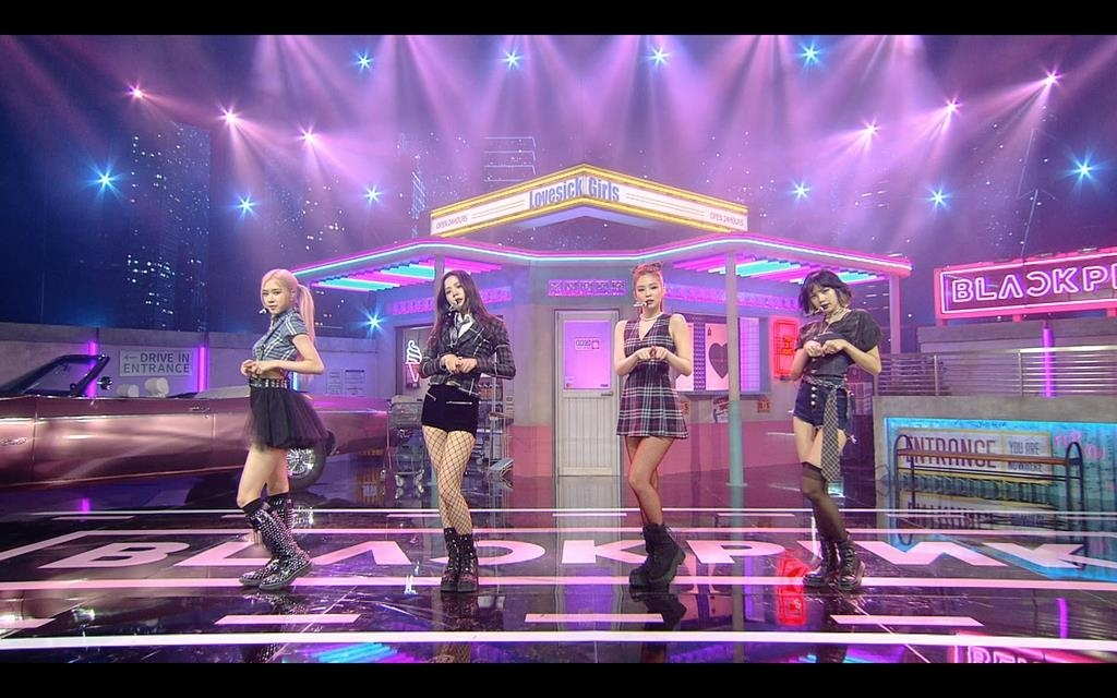"This photo, provided by YG Entertainment, shows BLACKPINK performing ""Lovesick Girls"" on ""Jimmy Kimmel Live"" on Oct. 20, 2020 (U.S.time). (PHOTO NOT FOR SALE) (Yonhap)"