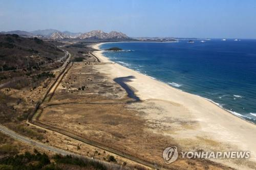 This file photo taken on April 3, 2019, shows the east coast near the inter-Korean border in Goseong, Gangwon Province. (Yonhap)
