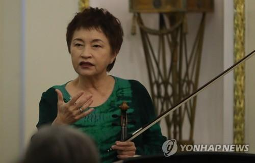 This file photo shows world-class South Korean violinist Chung Kyung-wha. (Yonhap)