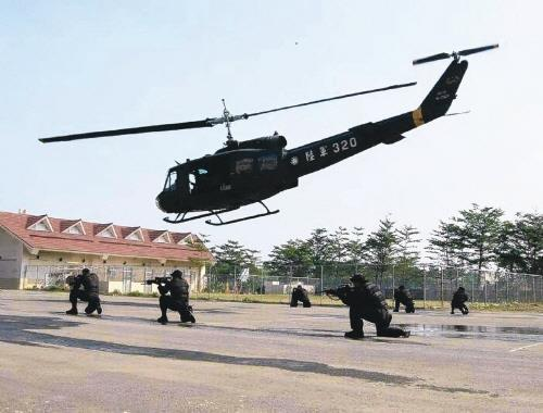 UH-1H 헬기
