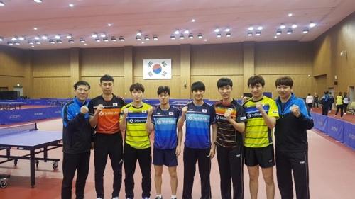 훈련 시작한 남자탁구 대표팀 코치진과 선수들