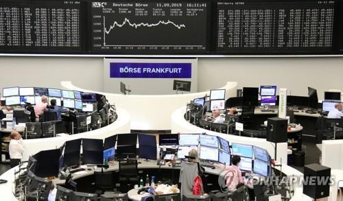 [유럽증시] 中 성장률 부진에 일제히 하락 | 연합뉴스