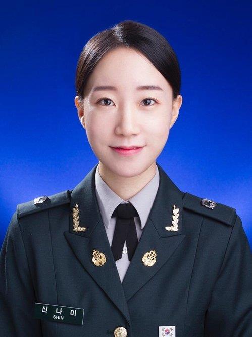 '코로나 최전선' 임무 수행하는 쌍둥이 새내기 간호장교