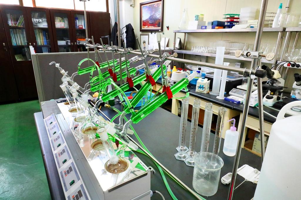 미래의 술을 개발하기 위한 실험이 진행되는 '과학실' [사진/조보희 기자]