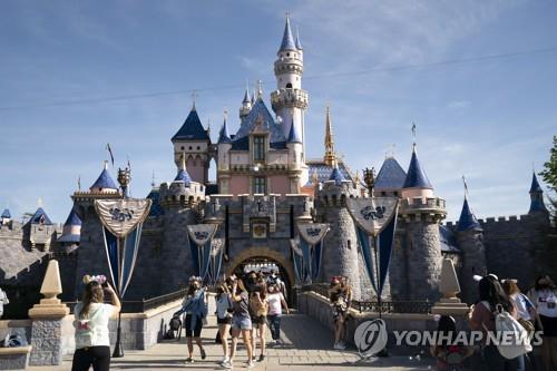 미 캘리포니아 애너하임의 디즈니랜드에 있는 '잠자는 숲 속의 공주의 성'. [AP=연합뉴스 자료사진]