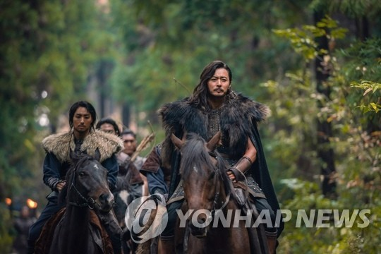 "This image provided by tvN shows a scene from ""Arthdal Chronicles."" (PHOTO NOT FOR SALE) (Yonhap)"