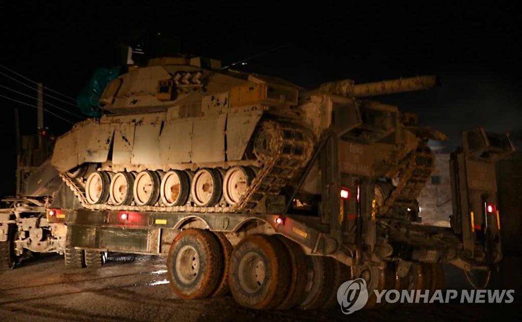 시리아로 수송되는 터키군 탱크