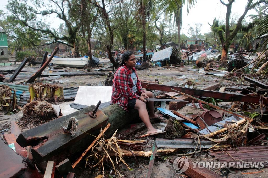 요타가 휩쓸고 지나가면서 주택이 파괴된 니카라과 마을