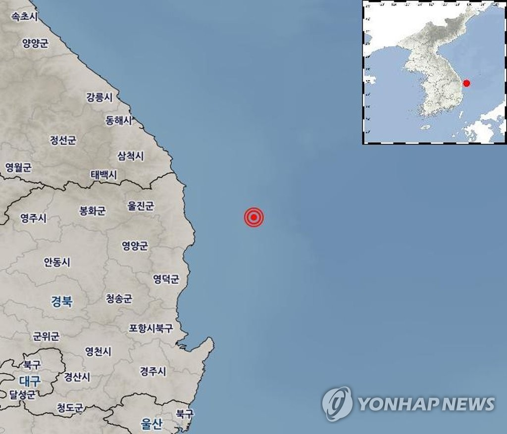 This image, captured from the website of the Korea Meteorological Administration, shows the location of a 3.8 magnitude earthquake that occurred off South Korea's east coast on April 22, 2019. (Yonhap)