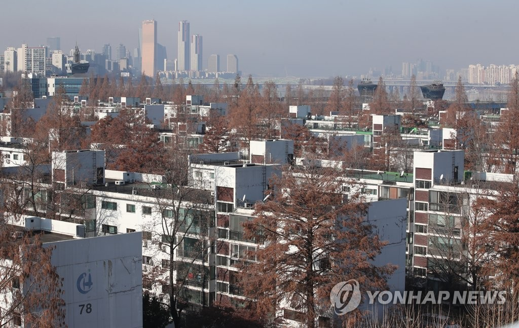 Des appartements dans l'arrondissement de Seocho à Séoul. (Photo d'archives Yonhap)