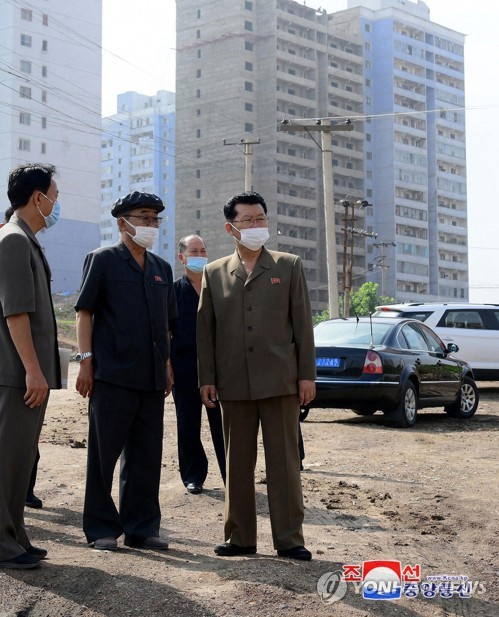 N. Korean premier inspects construction site