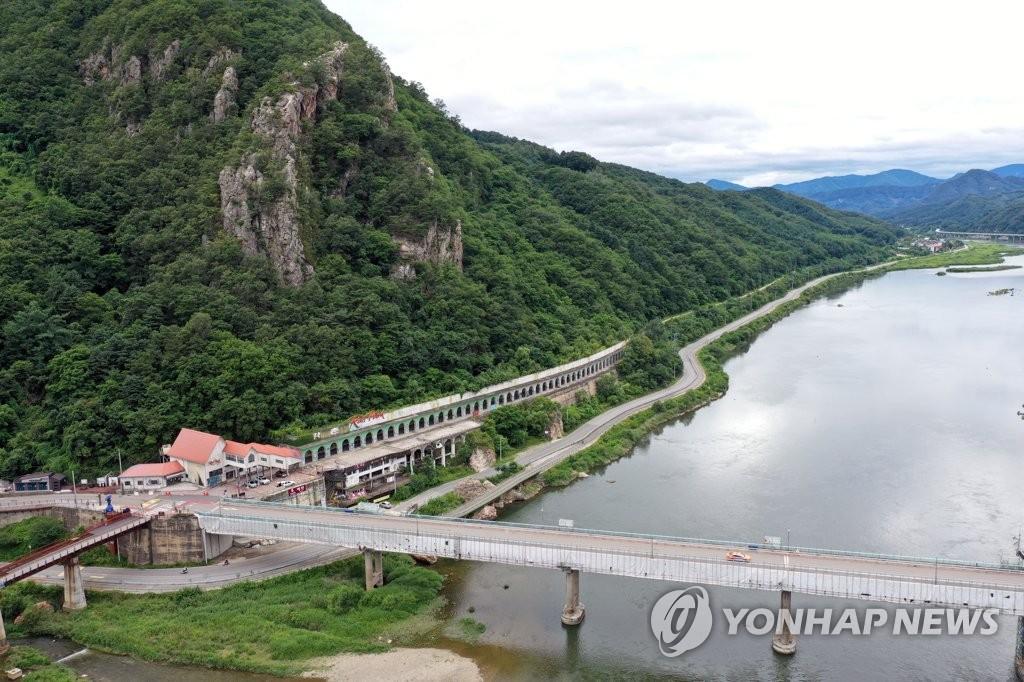 북한강 따라 옛 강촌역 변화 시도