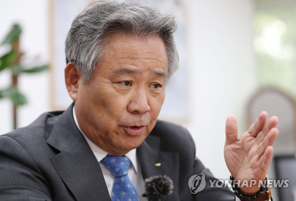 Lee Kee-heung, president of the Korean Sport & Olympic Committee, speaks to Yonhap News Agency during an interview in his office at the KSOC headquarters in Seoul on Sept. 29, 2020. (Yonhap)