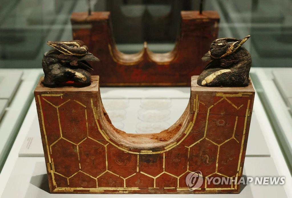 무령왕릉 특별전, 국보 '왕비의 베개'